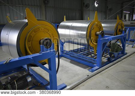 Industrial Air Ducts Ventilation Made Of Galvanized Metal Rectangular Industrial Used To Transport V