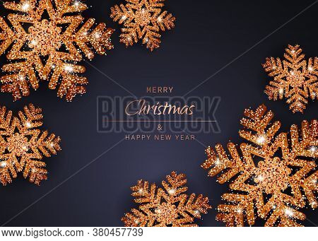 Christmas background with Shining gold Snowflakes. Merry Christmas card vector Illustration. Christmas background with Shining gold balls. Christmas. Christmas Vector. Christmas Background. Merry Christmas Vector. Merry Christmas banner. Christmas illustr