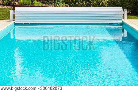 Brand New White Solar Pool Cover Roller Shutter With Crank. Open Swimming Pool.