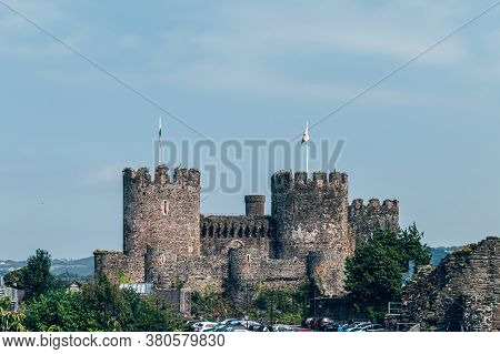 Conwy, North Wales, Uk - 09 August, 2020: Conwy Castle Is Fortification In Conwy, Located In North W