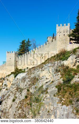 City walls of San Marino, The Respublic of San Marino