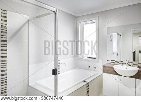 A Luxury And Bright Bathroom Interior Design