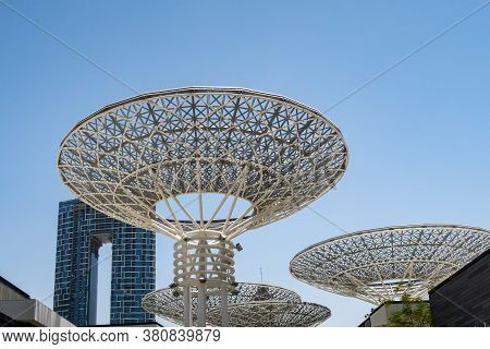 Dubai, Uae, 04/07/20. Modern Artificial Tree Constructions On Dubai Bluewaters Island By Meraas, Cry