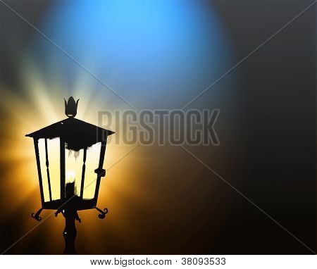 Street lamp lights in the night