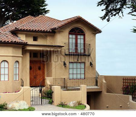 Bella California House