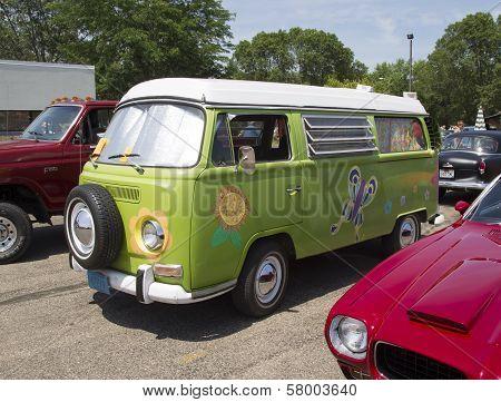 1968 Vw Hippie Camper Special Van Side View