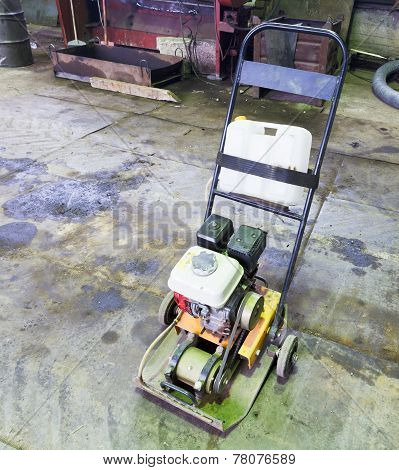 Small Gasoline Single Direction Plate Compactor