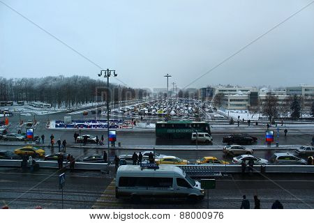 Vehicular traffic at Domodedovo Airport, Moscow