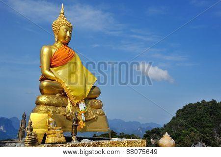 Golden Sitting Buddha