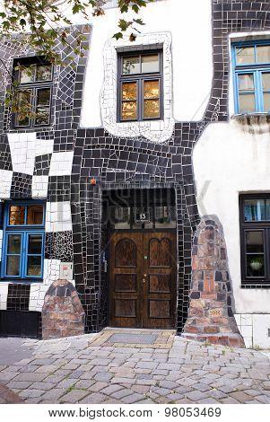 Kunsthaus, Architect Friedensreich Hundertwasser