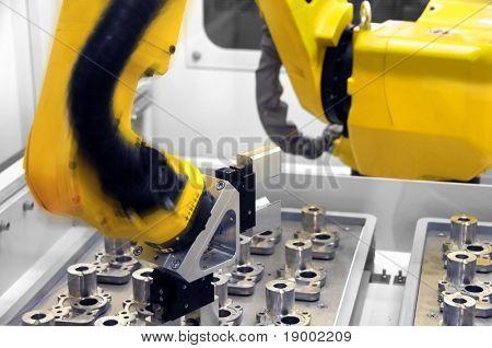 Robótica inteligente del brazo en el trabajo