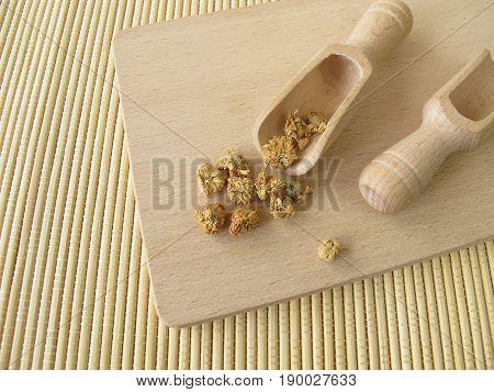 Roman chamomile, Chamomillae romanae flos, for herbal medicine