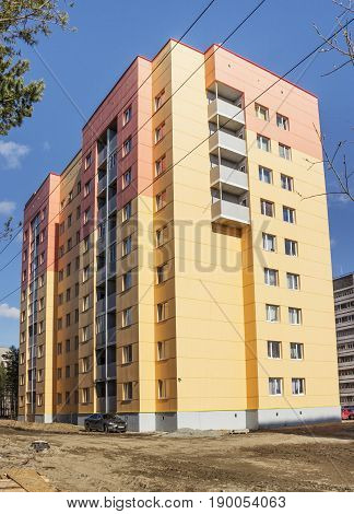 New House In Polyarnye Zori ,russia