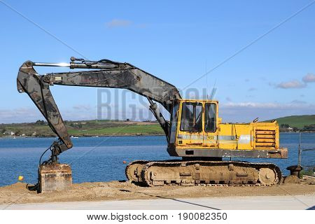 Padstow, Cornwall, Uk - April 6Th 2017: An Akerman Hydraulic Caterpillar Tracked Industial Digger Wo