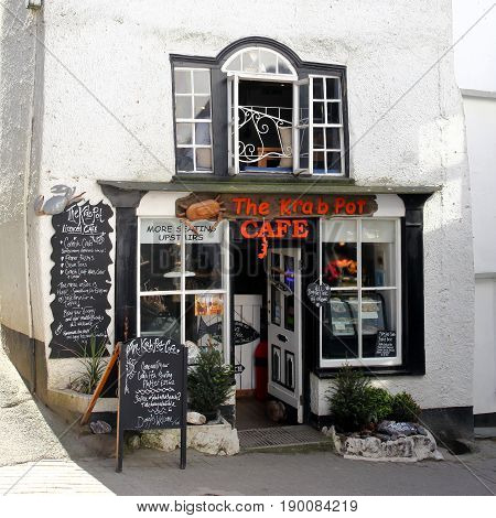 Port Isaac, Cornwall, Uk - April 8Th 2017: The Krab Pot Cafe, Specialising In Traditional Cornish Se