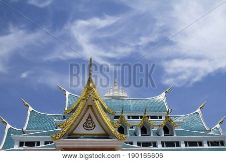 blue sky roof temple Udon Thani golden detail