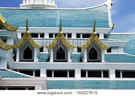 roof temple Udon Thani golden windows architecture Thailand