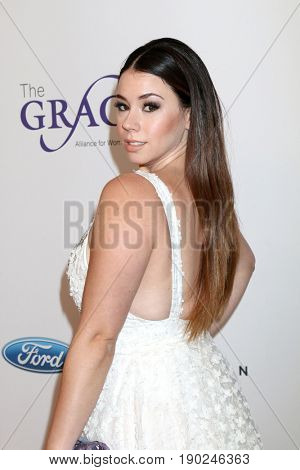 LOS ANGELES - JUN 6:  Jillian Rose Reed at the 42nd Annual Gracie Awards at the Beverly Wilshire Hotel on June 6, 2017 in Beverly Hills, CA