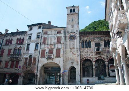 27 may 2017-vittorio veneto-Ancient palaces in the city of Vittori Veneto