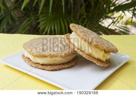 Lemon ice cream and oatmeal cookies ice cream sandwich