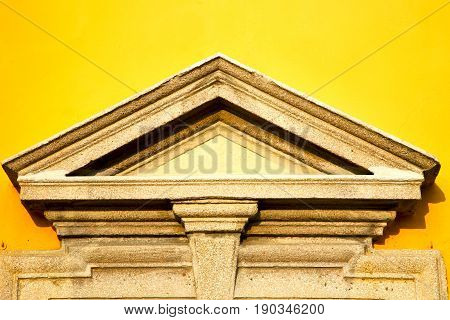 Wall Milan    Italy Old   Church Concrete Wall  Yellow Triangle