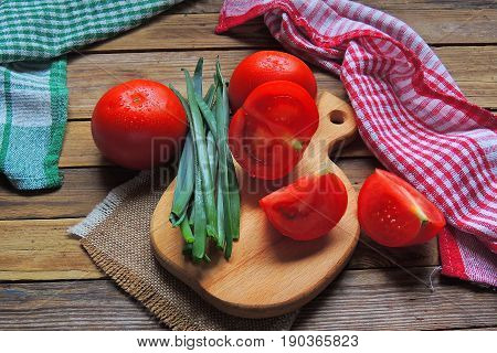 Tomato And Green Onion