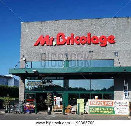 Mr. Bricolage Storefront. Waterloo, Belgium - June 2, 2017. Mr. Bricolage is a French retail chain offering home improvement and do-it-yourself products with stores across Europe, South America and North Africa.