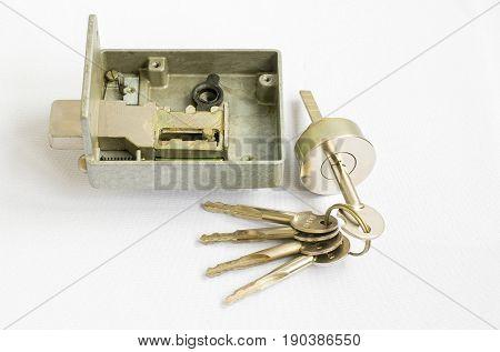 Just a simple door lock - parts.