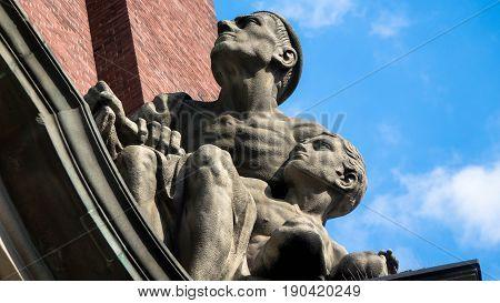 Statuen, Steinfiguren, Figuren, St. Michaelis, Kirche, Schutzpatron,