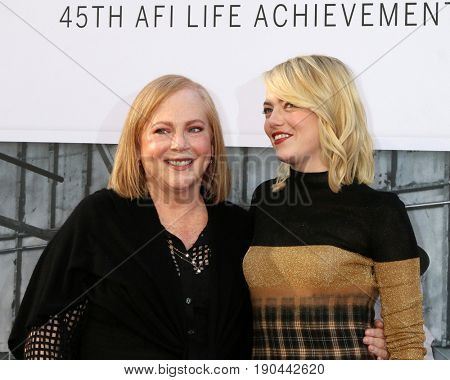 LOS ANGELES - JUN 8:  Krista Stone, Emma Stone at the American Film Institute's Lifetime Achievement Award to Diane Keaton at the Dolby Theater on June 8, 2017 in Los Angeles, CA