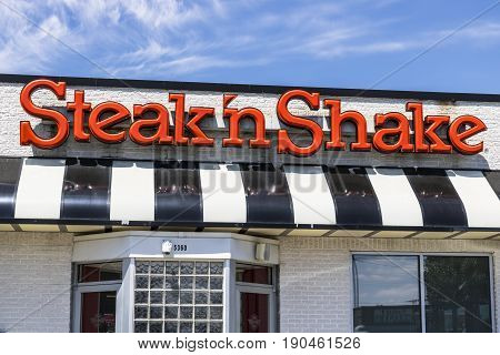 Indianapolis - Circa June 2017: Steak 'n Shake Retail Fast Casual Restaurant Chain. Steak 'n Shake is Located in the Midwest and Southern U.S.