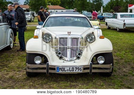 PAAREN IM GLIEN GERMANY - JUNE 03 2017: Neo-classic car (custom car) Tiffany. Exhibition