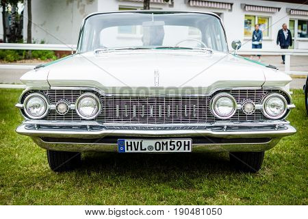 PAAREN IM GLIEN GERMANY - JUNE 03 2017: Full-size car Oldsmobile 88 (Fourth generation). Exhibition