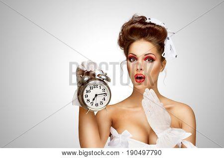 Ringing Clock.