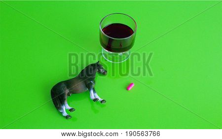 alkolün etkisi, üstten görüş, at ve alkol