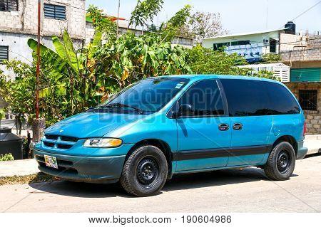 Dodge Caravan
