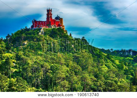 intra, Portugal: Pena Palace, Palace da Pena, romanticist summer residence of the monarchs of Portugal, located in Sao Pedro de Panaferrim next to Lisbon
