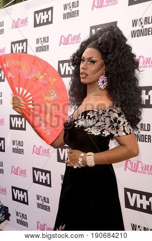 LOS ANGELES - JUN 9:  Shea Coulee at the RuPauls Drag Race Season 9 Finale Taping at the Alex Theater on June 9, 2017 in Glendale, CA