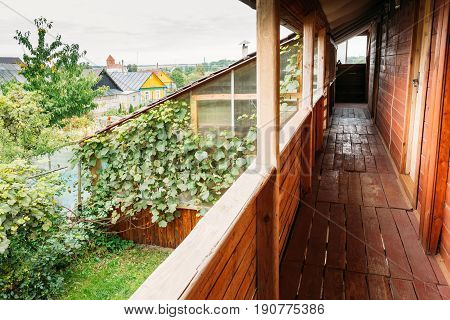Mir, Belarus - September 1, 2016: Typical Belarusian Or Russian Wooden Guest House In Village Or Countryside Of Belarus Or Russia Countries At Summer Season.