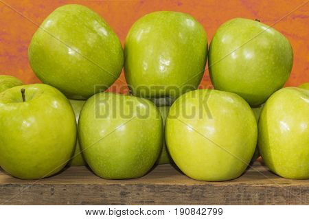 green apples of the granny smith variety