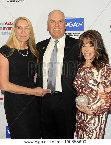 LOS ANGELES - JUN 11:  Jane Austin, Jeff Austin, Kate Linder at the Actors Fund's 21st Annual Tony Awards Viewing Party at the Skirball Cultural Center on June 11, 2017 in Los Angeles, CA