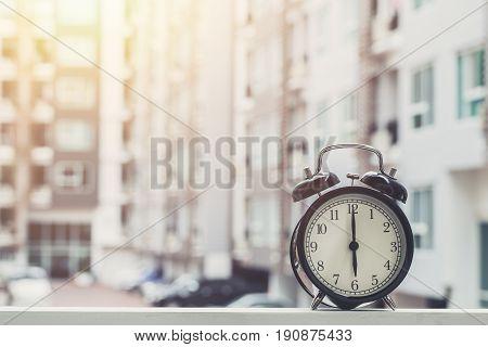 6 O'clock Retro Clock With The Clock Condominium Background.