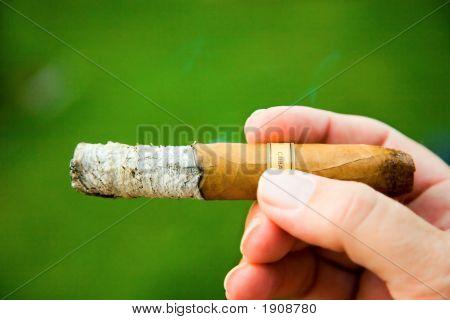 Курение кубинского