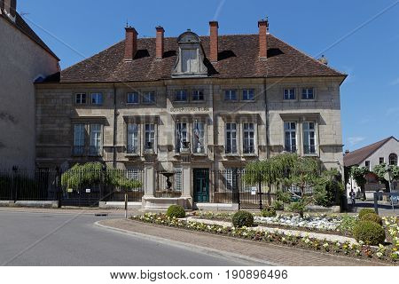 The hotel Bereur house the Dole subprefecture of Jura building. The city was the capital of Franche-Comte until Louis XIV conquered the region.