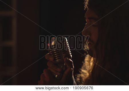 Close up of male singer per