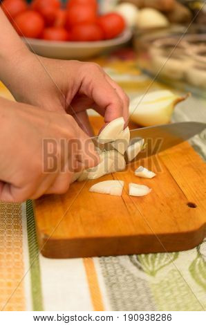 The process of preparing delicious dishes in details using a knife and special tools