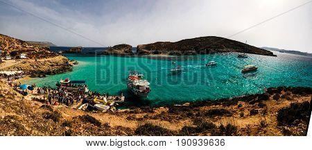 Blue lagoon beach 29-05-2016 Comino island Malta