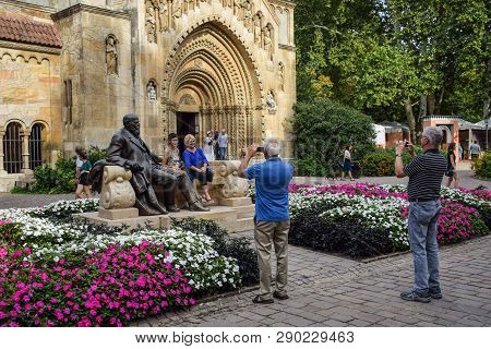 Budapest, Hungary - September , 13, 2019 - Tourists Posing For Pictures With The Statue Of The Hunga
