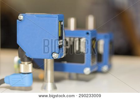 High Performance And Technology Accuracy And Fast Detected Laser Distance Sensor For Industrial