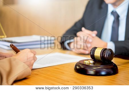 Couple Problems Sitting A Marriage Golden Wedding Rings Judge Gavel Deciding On Marriage Divorce Sig